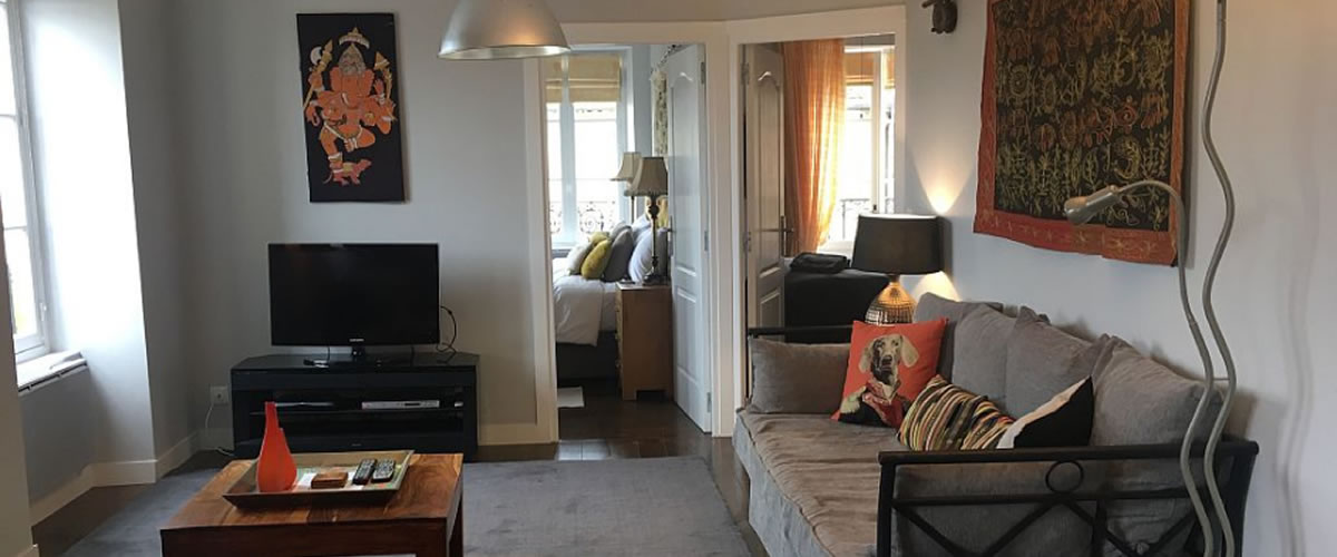 2 bed apartment living area