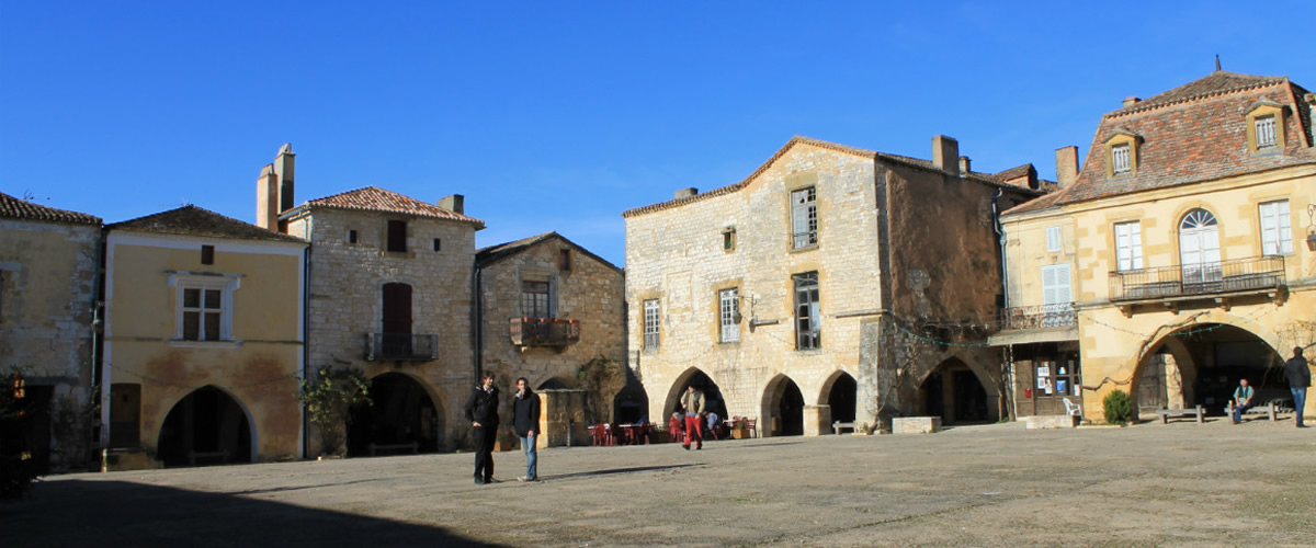 Monpazier town square