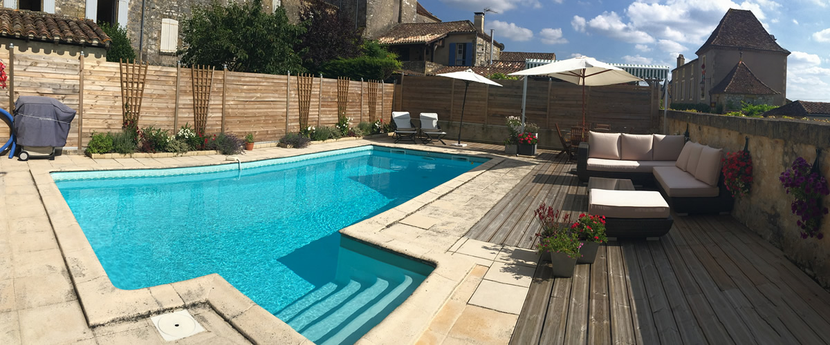Monpazier accommodation with guest swimming pool